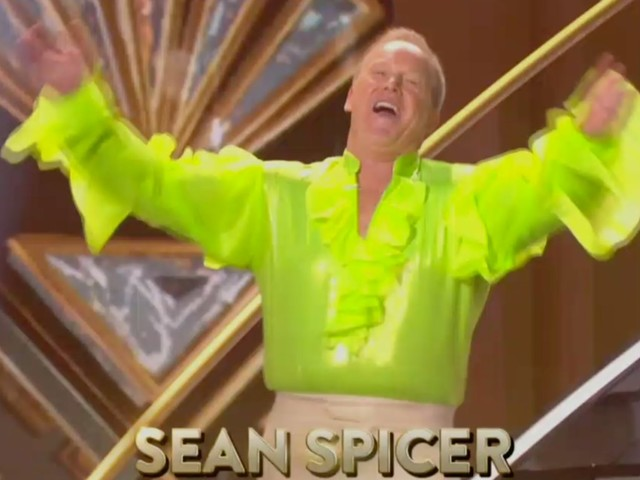 Sean Spicer made his debut on 'Dancing With the Stars' and Twitter is having a field day
