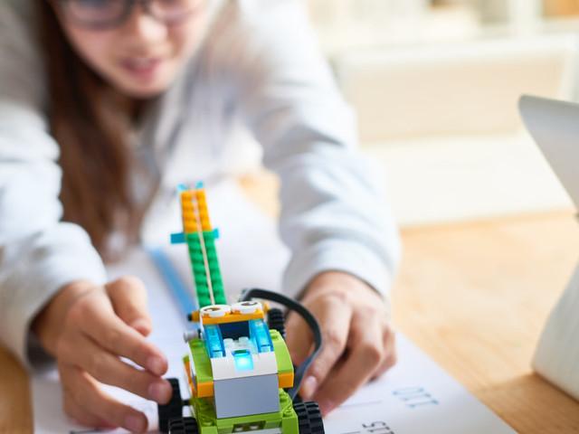 10 STEM Gift Ideas For Brainy Kids