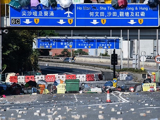 China Army Leaves Hong Kong Barracks To Help Clear Debris After Protests