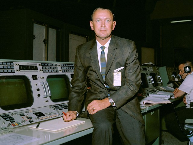 NASA legend who helped propel astronauts to the Moon dies days after Apollo 11 anniversary