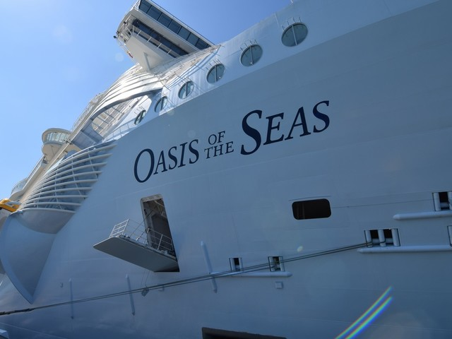 Oasis of the Seas Live Blog - The Review