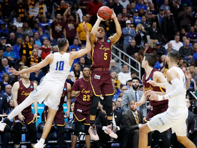 Loyola Chicago, on a 'Mission from God,' is delivered in Sweet 16 by Marques Townes