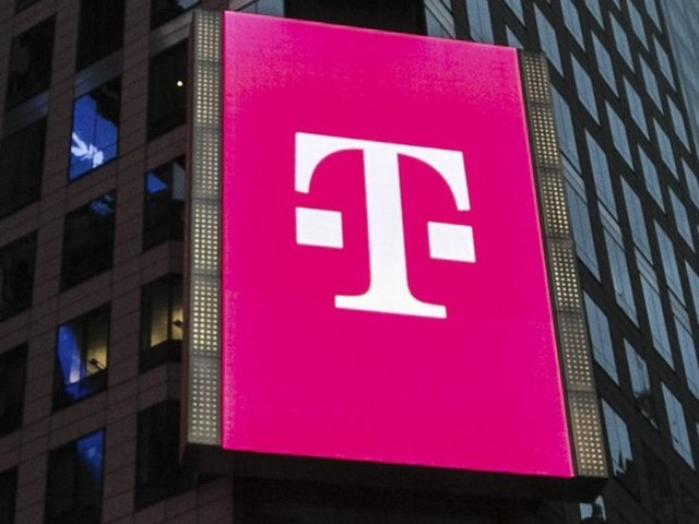 Sprint merger with T-Mobile will hurt customers, economist says