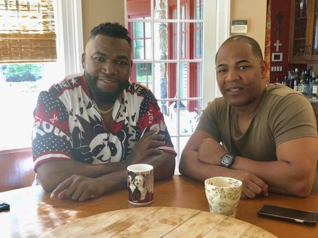 David Ortiz posts photo of visit from fellow MLB star Edwin Encarnación