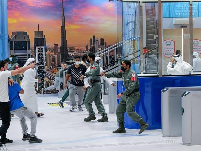 Video: Sheikh Hamdan watches Dubai Metro's hostage drill