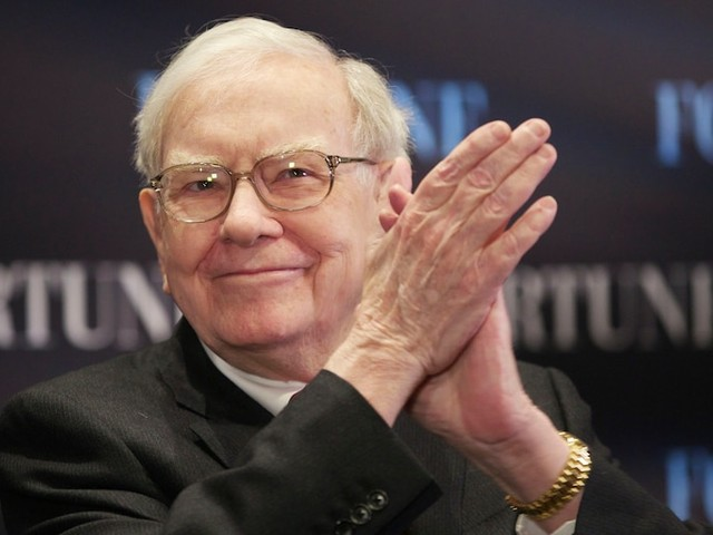 Warren Buffett may have ditched airline stocks and spent $20 billion on stock buybacks, investor Chris Bloomstran says