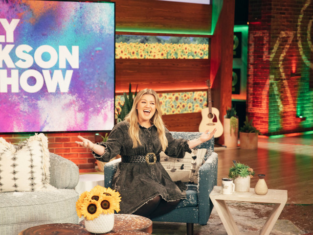 Kelly Clarkson Talk Show to Move into Ellen DeGeneres' Time Slots on NBC Stations