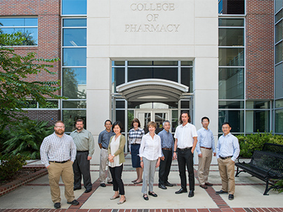 Perfect 10: All medicinal chemistry tenure-track Ph.D. program faculty are federally funded
