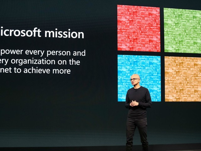 Former Microsoft Engineer Blames Windows 10 Woes on 'Toxic Management'