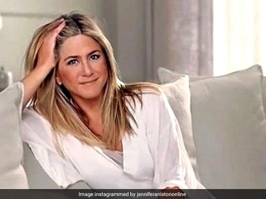 Jennifer Aniston Swears She 'Didn't Mean To Break Instagram'