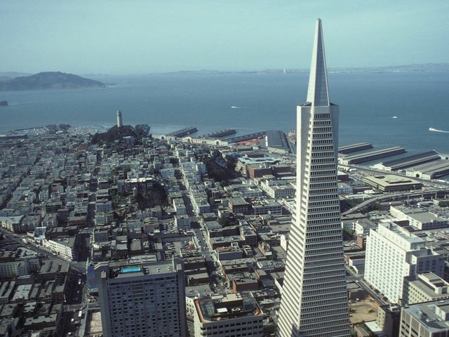 Real estate investors are struggling to raise hundreds of millions in debt for office buildings. Here's why this poses major problems for pending deals like the Transamerica Pyramid in San Francisco.