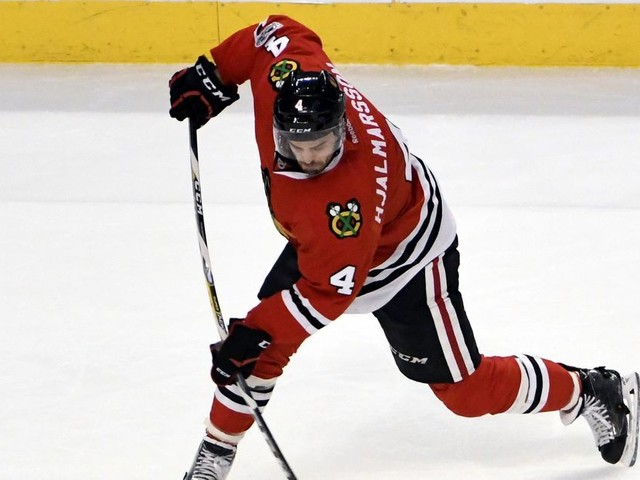 Coyotes acquire Hjalmarsson from Blackhawks, add Raanta, Stepan from Rangers