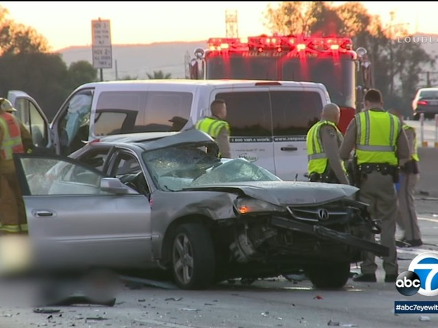 2 killed, several others injured in multi-vehicle crash on 10 Freeway in El Monte; all lanes reopened