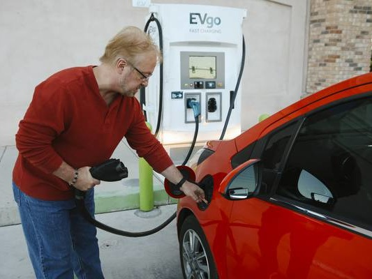 How Nevada is faring with goals to encourage use of electric vehicles