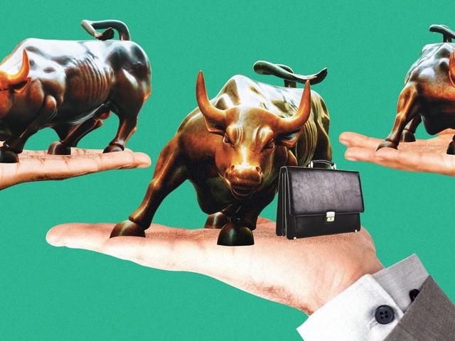 Boutique bank bumps pay - Carlyle doubles deals - KKR Credit eyes new talent