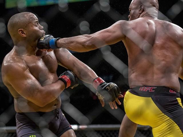 UFC 208: Holm vs. De Randamie - Anderson Silva vs Derek Brunson Toe to Toe Preview