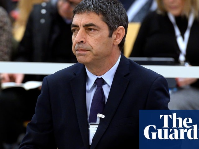 Catalan police chief denies being close to Carles Puigdemont