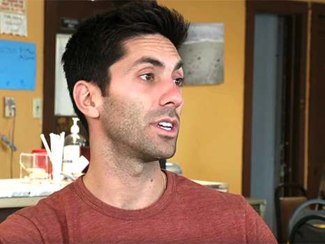 'Catfish' Sneak Peek: Nev & Kamie Investigate A Mysterious Text From A Whistleblower