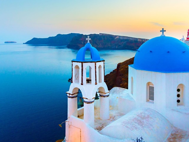 Luxe Flights To Greece Just Got Super-Affordable