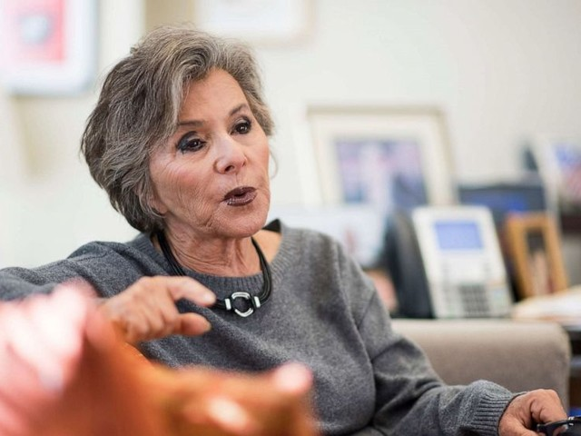 Former Sen. Barbara Boxer assaulted and robbed
