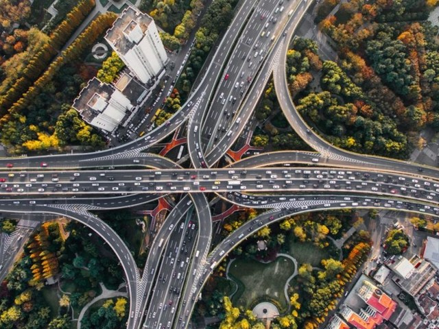 FOTW #1204: Fuel Wasted Due to U.S. Traffic Congestion in 2020 Cut in Half from 2019 to 2020