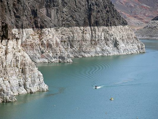 Hydropower decline adds strain to power grids in drought