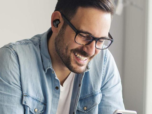 ENACFIRE wireless headphones on sale for under £40 on Amazon