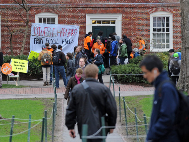 How will Harvard influence the divestment movement?