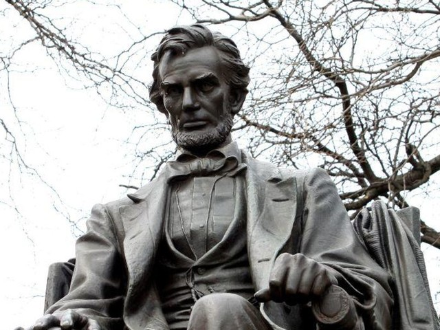 Chicago considers removing 41 statues — including 4 presidents — as part of 'racial healing and historical reckoning project'
