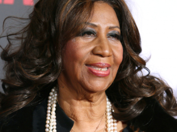 PLOT TWIST! Three Handwritten Wills Found In Aretha Franklin's Home, One In The Couch