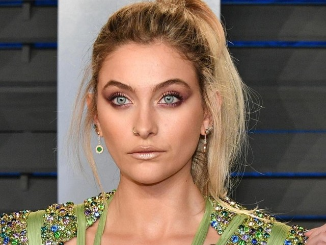 Nibbly Things: Paris Jackson Seeks Mental Health Treatment