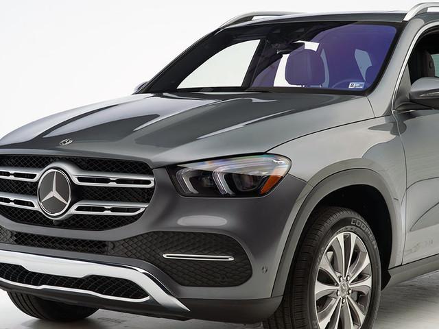 Mercedes-Benz SUV earns highest award