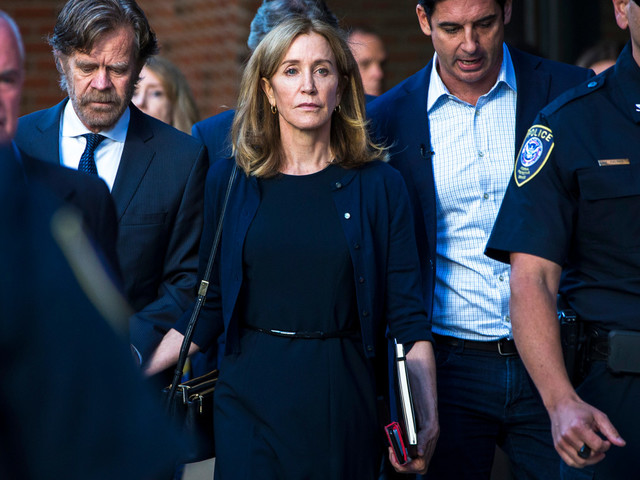 Felicity Huffman gets hit with subtle 'prison' jab at Emmys 2019