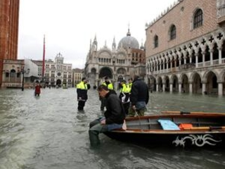 Hip waders on: Venice braces for another exceptional tide