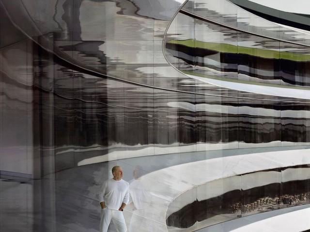 Jony Ive Now Featured in London's National Portrait Gallery