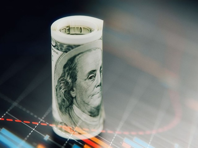 Here's How a Federal Funds Rate Increase Could Affect You (and Your Debt)