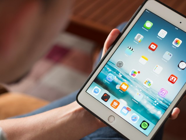How to add contacts on your iPad, and edit existing contacts