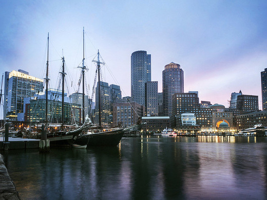 jetBlue: Los Angeles – Boston (and vice versa). $197. Roundtrip, including all Taxes