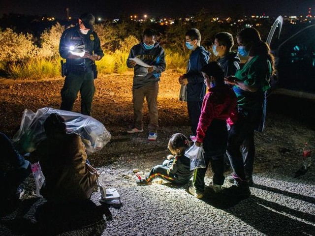 Horowitz: What virus? DHS dumping COVID-positive illegal aliens into Texas cities
