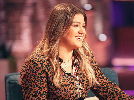 Kelly Clarkson Replaces Ellen DeGeneres As Her Talk Show Moves To Prime Time Slot