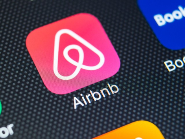 The Risk-Reward Ratio of Airbnb Looks Negative