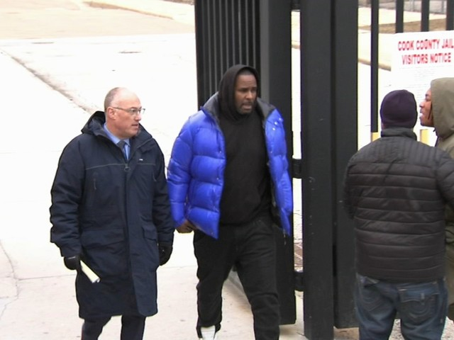 R. Kelly nears OK for new defense team in upcoming trial despite potential conflict of interest
