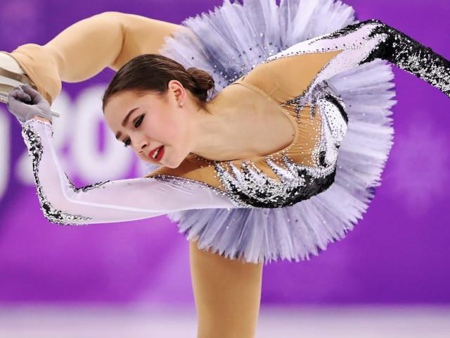 Russian Skater Evgenia Medvedeva Sets World Record, Then Alina Zagitova Breaks It Minutes Later