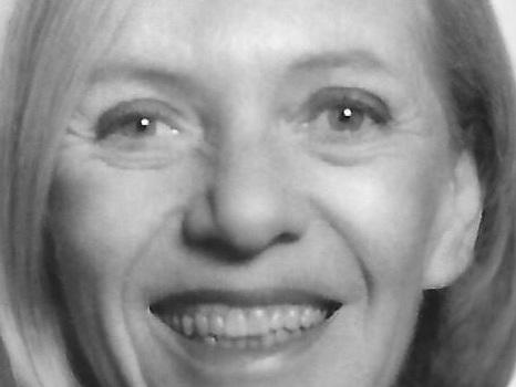 Chloe Aaron, a Top PBS Executive, Is Dead at 81