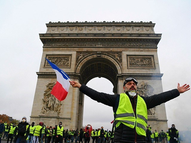 One Year On, Majority of French Still Support Yellow Vests