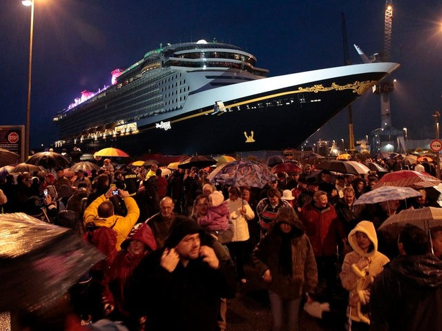 Cruise-obsessed vacationers are desperate to set sail, even after high-profile coronavirus outbreaks on ships. We spoke with 18 cruisers about why they can't wait to cast off.