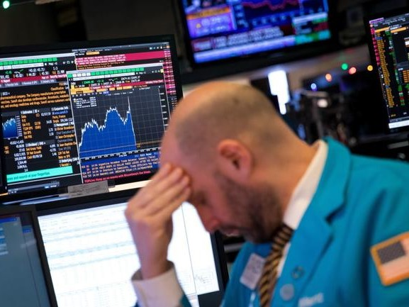 Black Monday: Dow Futures Down 800, Europe Crashes Most In Four Years; Gold, VIX Soars