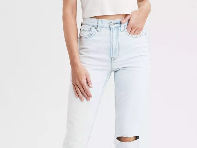 These wildly popular mom jeans from American Eagle are under $20 right now