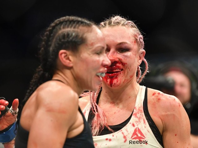 UFC Wichita prelims results: Kunitskaya beats Reneau despite busted nose