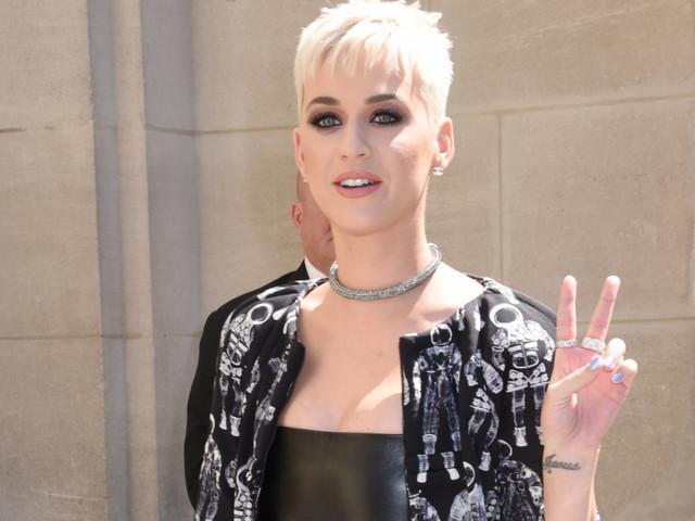 Katy Perry to host, perform at 2017 VMAs